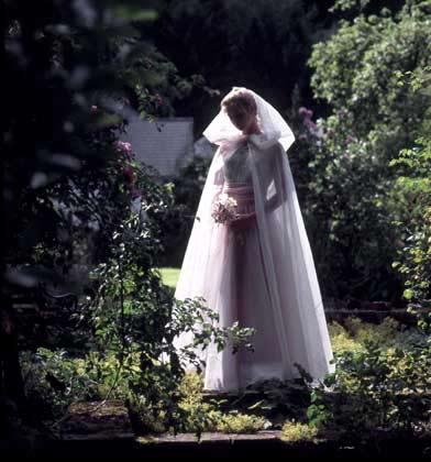 bridal-in-the-garden