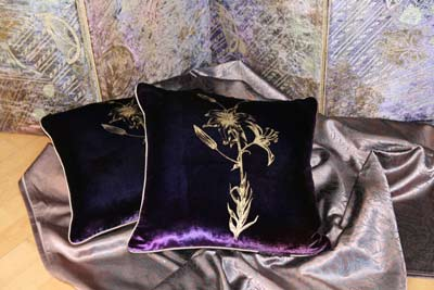 cushions-purple-lily